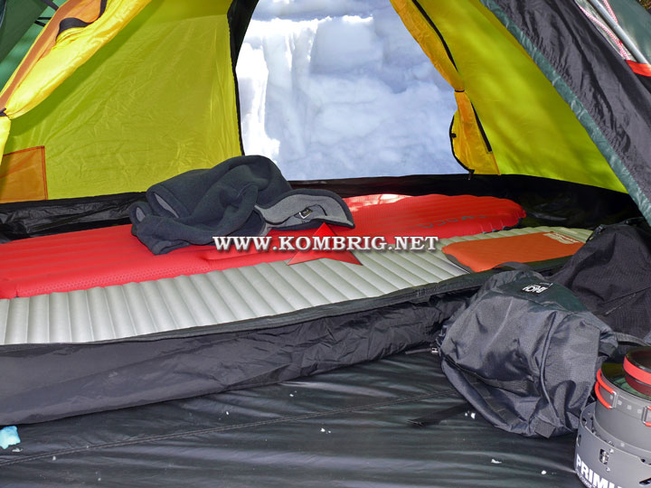 Туристические коврики Therm-a-Rest NeoAir XTherm и Exped SynMat Winterlite